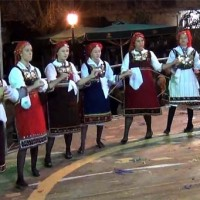 3η μέρα εκδηλώσεων στην κεντρική πλατεία! Βίντεο με τα χορευτικά του Συλλόγου Καισαρειάς