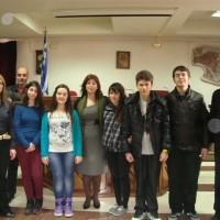 Τους μαθητές που διακρίθηκαν σε διεθνή διαγωνισμό ποίησης υποδέχθηκε η δήμαρχος Εορδαίας Παρασκευή Βρυζίδου