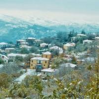 Η φωτογραφία της ημέρας: Τα χιονισμένα ορεινά χωριά Κορυφή και Χρυσαυγή του Βοΐου