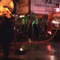 «Φράκαραν» τα φρεάτια και πλημμύρισαν μαγαζιά στην Πτολεμαΐδα! – Δείτε το βίντεο