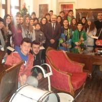 Παραδοσιακά κάλαντα και ευχές για το νέο έτος δέχθηκε ο Δήμαρχος Εορδαίας