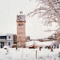Η φωτογραφία της ημέρας: Γενάρης του 1984 στην χιονισμένη πλατεία Κοζάνης…