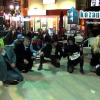 Δείτε όλο το σατιρικό μονόπρακτο «Ο Ξεριζωμός» της θεατρικής ομάδας του «Άι Δημήτρη» στο βίντεο του kozaniLife.gr!
