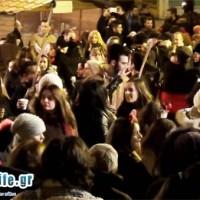 Πλήθος κόσμου στο αποκριάτικο γλέντι του Φανού «Γιτιά»! Βίντεο kozaniLife.gr