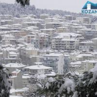 Σε εξέλιξη το κύμα κακοκαιρίας στην Κοζάνη – Προβλήματα στις μετακινήσεις λόγω της έντονης χιονόπτωσης