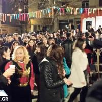 Πλήθος κόσμου στο άναμμα του φανού Παύλου Μελά στην Κοζάνη – Δείτε το βίντεο του KOZANILIFE.GR