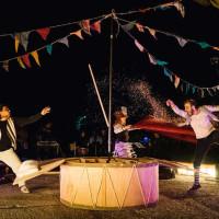 «Μάσκα δεν έχω να κρυφτώ»: Μια υπαίθρια γιορτή, ένα συμμετοχικό θέατρο δρόμου, στην κεντρική πλατεία Κοζάνης