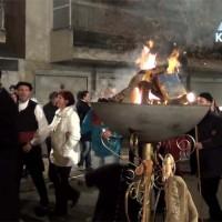Βίντεο: Το τραγούδι του Τέλη Βωβού για τη Φανή Φτάκα από τον φανό Πηγάδ απ'του Κεραμαριώ!