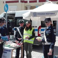 Δυτική Μακεδονία: Ενημερωτικά φυλλάδια της τροχαίας από αστυνομικούς με την έναρξη της νέας σχολικής χρονιάς, σε γονείς και μαθητές σχολείων
