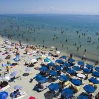 Κέρδισαν οι παραλίες: Θηριώδες το ποσοστό της αποχής, το μεγαλύτερο στα χρόνια της Μεταπολίτευσης!