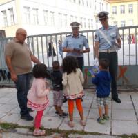 Φωτογραφίες: Ενημερωτικά φυλλάδια μοίρασαν τροχονόμοι σε γονείς και μαθητές Δημοτικών Σχολείων στην Δυτική Μακεδονία