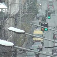 Τσουχτερό κρύο, δυνατός αέρας και χιονόπτωση ξανά στην Κοζάνη! Δείτε τα βίντεο του KOZANILIFE.GR
