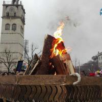 Άναψε ο Φανός στην κεντρική πλατεία της Κοζάνης – Δείτε το βίντεο του KOZANILIFE.GR