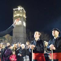 Ο Φανός «Αλώνια» στην κεντρική πλατεία της Κοζάνης – Δείτε βίντεο και φωτογραφίες