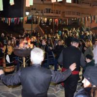 Πολύς κόσμος στο γλέντι του Φανού Κρεβατάκια! Δείτε φωτογραφίες και βίντεο