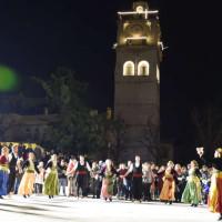 Εξαιρετική βραδιά Μακεδονίας στην κεντρική πλατεία της Κοζάνης! Δείτε το φωτορεπορτάζ του KOZANILIFE.GR
