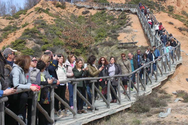 Εντυπωσιάστηκαν από το γεωπάρκο των «Μπουχαριών» οι επισκέπτες της  Περιβαλλοντικής Εκπαίδευσης Ηπείρου - KOZANILIFE.GR