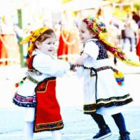Η φωτογραφία της ημέρας: Οι… μικρές «Λαζαρίνες» της Αιανής, που συνεχίζουν την παράδοση!