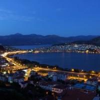Γυναίκα ποδηλάτης έπεσε στην λίμνη της Καστοριάς – Την έσωσαν οι περαστικοί