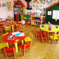 Η νηπιαγωγός Γκατζογιάννη Ελένη περί της επαναλειτουργίας ή μη των Παιδικών Σταθμών