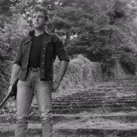 Ακούστε το νέο τραγούδι του Ηλία Μπουρνιώτη με τίτλο «Παρόν και μέλλον»