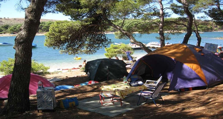 1473773-camping