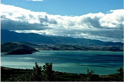 Αποτέλεσμα εικόνας για δυσχρωματισμού στη Λίμνη Βεγορίτιδα.