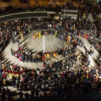 Η φωτογραφία της ημέρας: Ποντιακοί χοροί στην Κοζανίτικη Αποκριά 2018