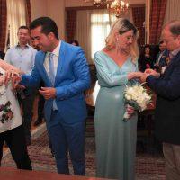 Παντρεύτηκε με πολιτικό γάμο ο Χάρης Κάτανας την αγαπημένη του Ζωή Πλιάτσικα στο Δημαρχείο Κοζάνης – Δείτε φωτογραφίες
