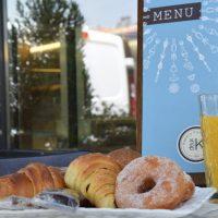 Η καλή μέρα από το πρωί φαίνεται: Απολαυστικό πρωινό στο κεντρικό κατάστημα Deux K στην Κοζάνη