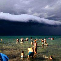 Εντυπωσιακές εικόνες από «Shelf Cloud» στους Νέους Πόρους Πιερίας – Δείτε τις φωτογραφίες