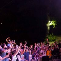 Ο εξαιρετικός Σάκης Ρουβάς έκλεισε την αυλαία του φετινού 40ου River Party στο Νεστόριο Καστοριάς – Δείτε φωτογραφίες