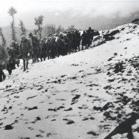 Ανακοίνωση για τους συγγενείς των πεσόντων κατά το Έπος 1940 – 41 στη Βόρειο Ήπειρο, από τον ομαδικό τάφο στα Στενά της Κλεισούρας