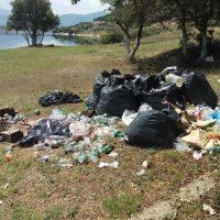 «Σκουπιδότοπος» ο χώρος της παλαιάς Νεράιδας έπειτα από το φετινό Lake Festival – Δείτε φωτογραφίες