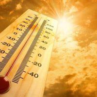 «Κόκκινος συναγερμός» στην Ευρώπη λόγω καύσωνα – Απειλείται το ρεκόρ της Αθήνας με τους 48°C