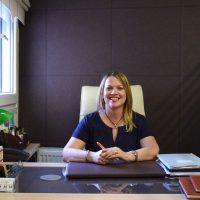 Lucy David: Η καθηγήτρια Αγγλικών στην Κοζάνη που ταξιδεύει τους μαθητές της στο Λονδίνο και χρησιμοποιεί πρωτοποριακές μεθόδους διδασκαλίας