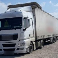 Πτολεμαΐδα: Συνελήφθη 45χρονος να μεταφέρει με το φορτηγό του 3 παράνομους αλλοδαπούς