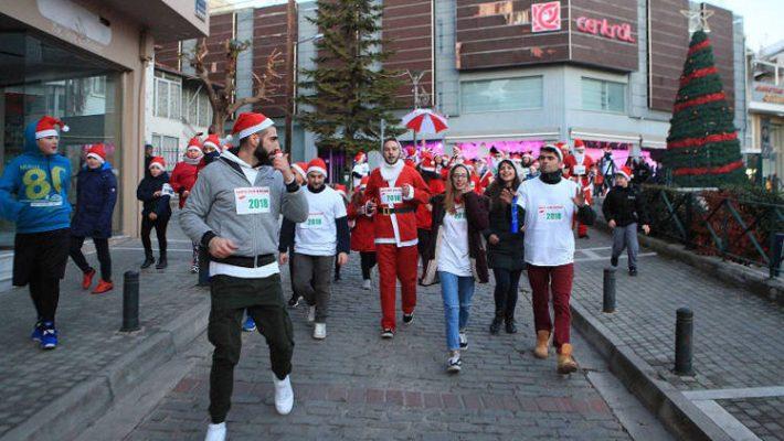 Άκρως επιτυχημένο το 1ο Santa Run 2018 στην Κοζάνη – Δείτε φωτογραφίες