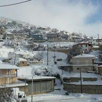 Κατάλευκο σκηνικό με μεγάλη ποσότητα χιονιού στον Μεταξά Κοζάνης – Δείτε φωτογραφίες