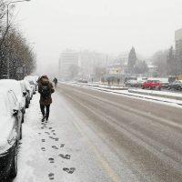 Πυκνό χιόνι στο κέντρο της Θεσσαλονίκης – Δείτε τα βίντεο