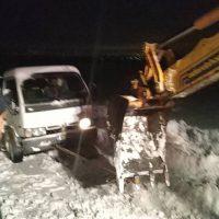 Εγκλωβίστηκε στα χιόνια κτηνοτρόφος και ασθενοφόρο στα Πετρανά Κοζάνης – Δείτε βίντεο και φωτογραφίες