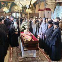 Σε λαϊκό προσκύνημα στον Άγιο Δημήτριο Σιάτιστας το σκήνωμα του Μητροπολίτη Σισανίου και Σιατίστης Παύλου – Δείτε φωτογραφίες