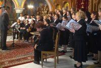 Με το «Μακεδονία Ξακουστή» η εκδήλωση κοπής της Πρωτοχρονιάτικης πίτας της Μητρόπολης Κοζάνης – Δείτε το βίντεο και φωτογραφίες