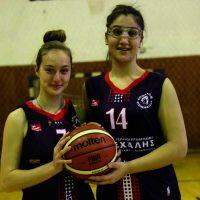 Οι αθλήτριες του Απόλλωνα Πτολεμαΐδας Κ. Αντωνίου και Π. Βασιλείου σε τουρνουά μπάσκετ Χριστουγέννων