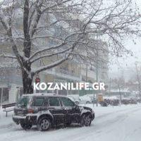 Βροντές, αστραπές και πολύ χιόνι στην Κοζάνη μέσα σε λίγα λεπτά – Δείτε το βίντεο