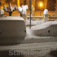 Θάφτηκαν κάτω από το χιόνι τα αυτοκίνητα στα Γρεβενά – Δείτε βίντεο και φωτογραφία