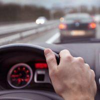 Αλλάζουν τα πάντα στα διπλώματα οδήγησης: Στο τιμόνι από τα 17 – Τέλος το «λάδωμα»