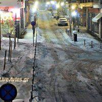 Βίντεο από τον καθαρισμό του χιονιού στην οδό 117 Εθνομαρτύρων στα Σέρβια