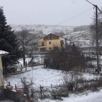 Στα λευκά το Λιβαδερό Κοζάνης – Δείτε βίντεο και φωτογραφίες