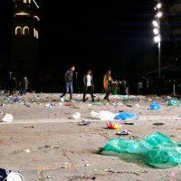 Η κεντρική πλατεία Κοζάνης αμέσως μετά το Πάρτι Νεολαίας της Αποκριάς – Δείτε φωτογραφίες